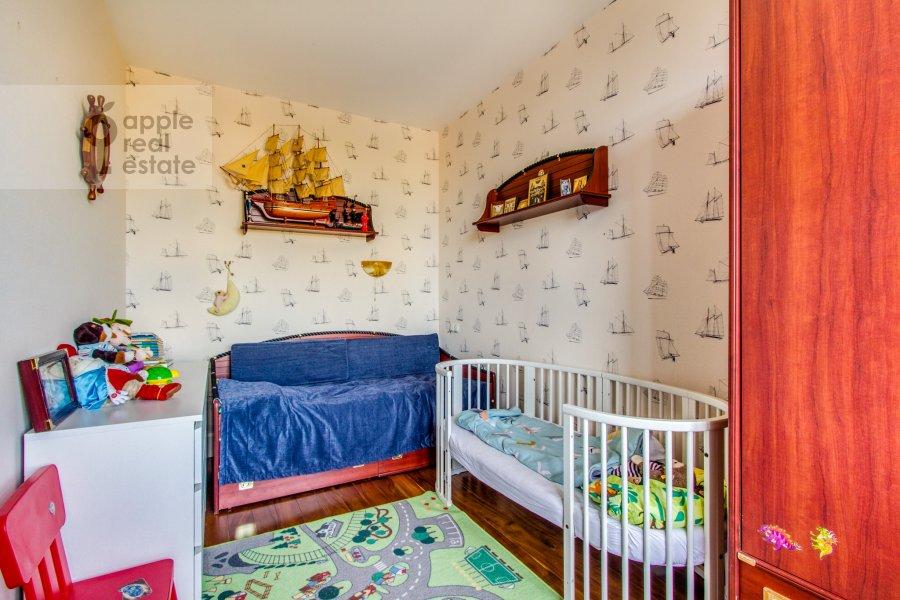 Children's room / Cabinet of the 6-room apartment at Dosflota pr. 16k1