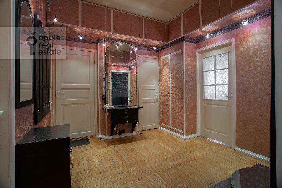 Corridor of the 4-room apartment at Kazakova ul. 17/1s1