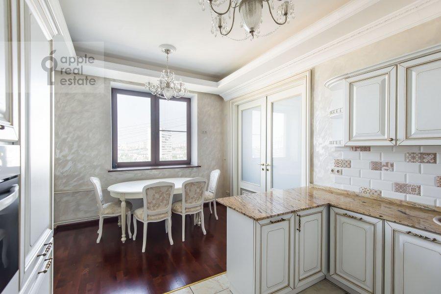 Кухня в 4-комнатной квартире по адресу Шмитовский пр. 20