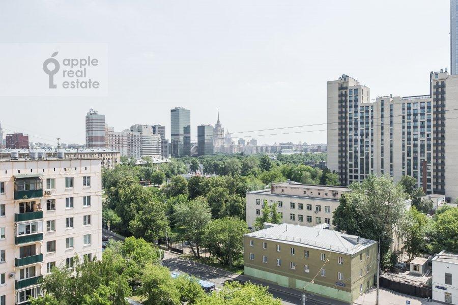Вид из окна в 4-комнатной квартире по адресу Шмитовский пр. 20