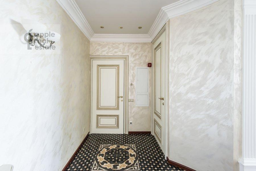Коридор в 4-комнатной квартире по адресу Шмитовский пр. 20