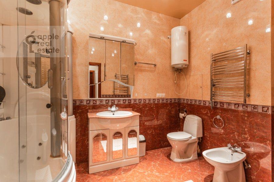 Bathroom of the 3-room apartment at Protopopovskiy per. 17k3