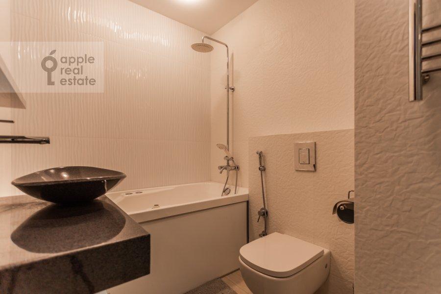 Санузел в 3-комнатной квартире по адресу Хорошевское ш. 12к1