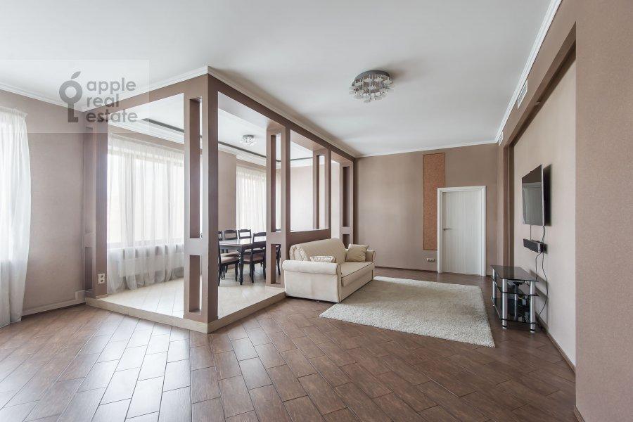 Гостиная в 4-комнатной квартире по адресу Арбат Новый ул. 27