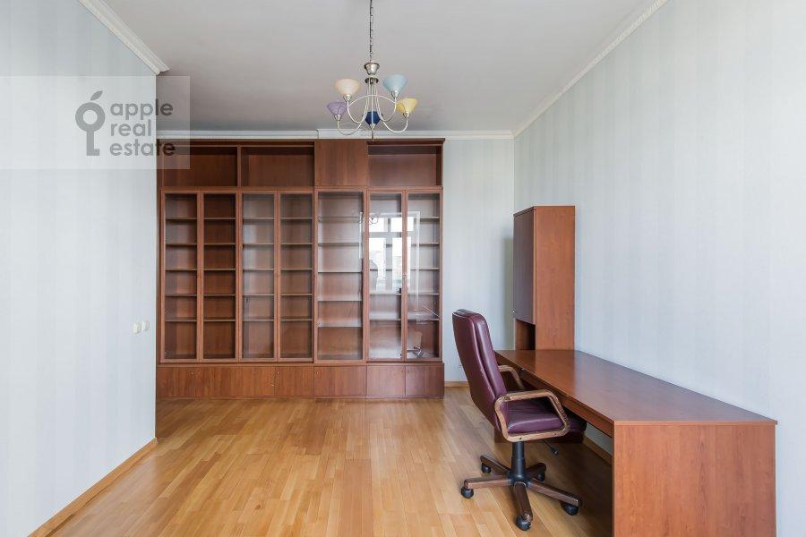 Детская комната / Кабинет в 3-комнатной квартире по адресу Образцова ул. 3