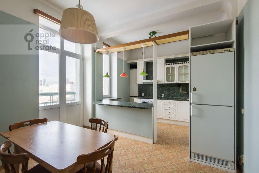 Кухня в 3-комнатной квартире по адресу Образцова ул. 3