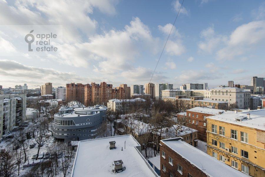 Вид из окна в 3-комнатной квартире по адресу Образцова ул. 3