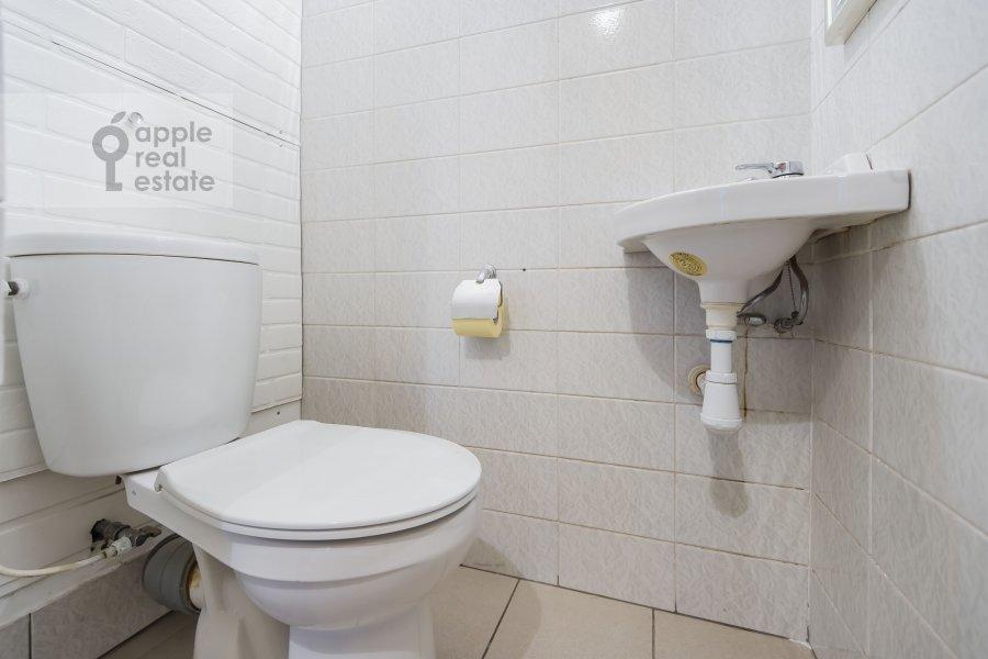 Санузел в 3-комнатной квартире по адресу Образцова ул. 3