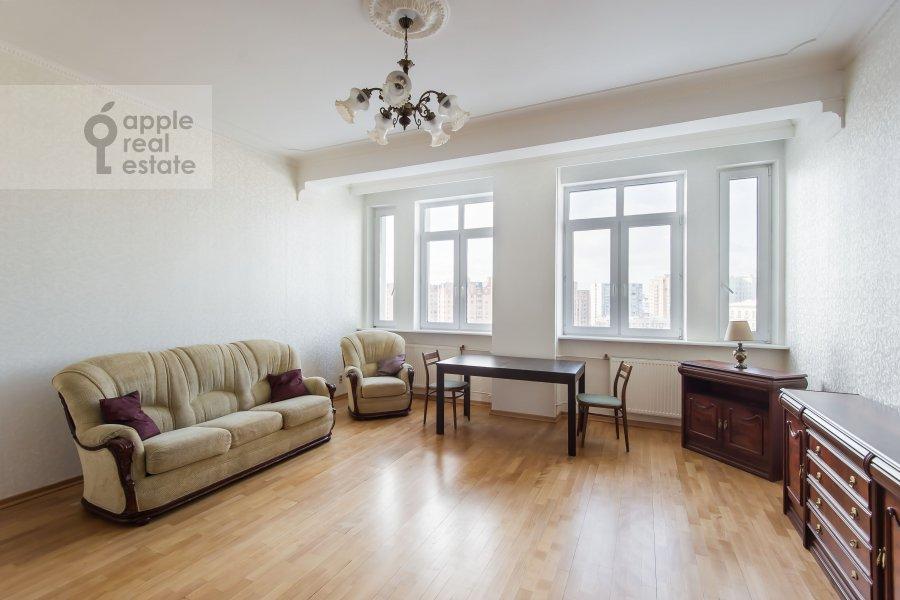 Гостиная в 3-комнатной квартире по адресу Образцова ул. 3