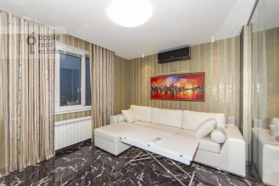 Living room of the 2-room apartment at Khoroshevskoe shosse 16
