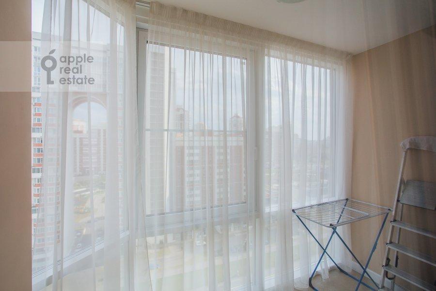 Балкон / Терраса / Лоджия в 3-комнатной квартире по адресу Мосфильмовская ул. 88к2с4