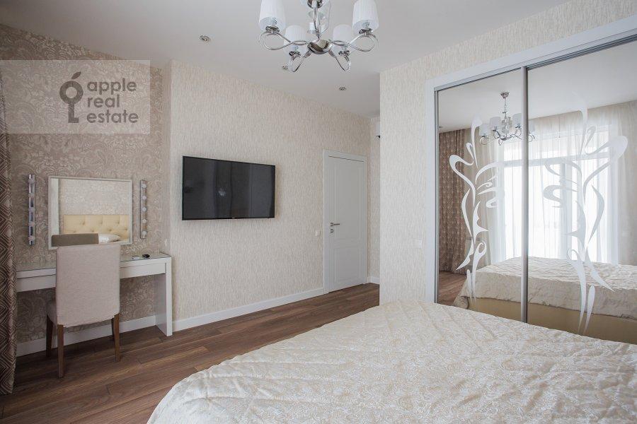 Спальня в 3-комнатной квартире по адресу Мосфильмовская ул. 88к2с4
