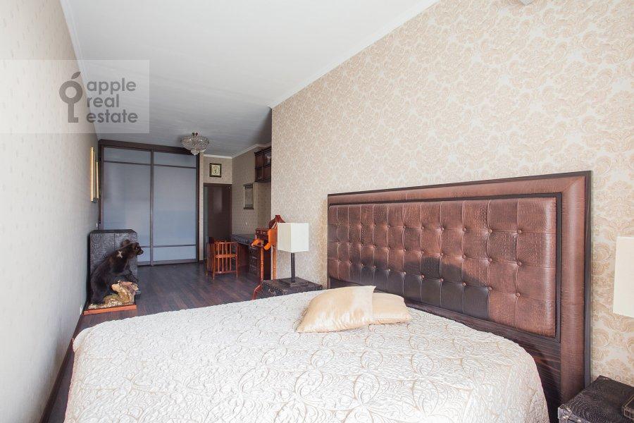 Спальня в 2-комнатной квартире по адресу Нежинская ул. 1к3