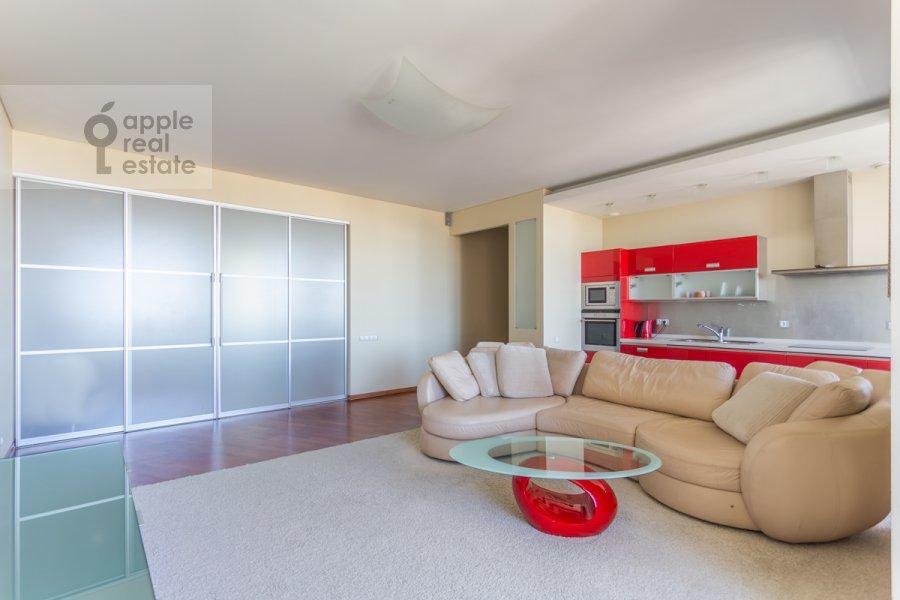 Гостиная в 3-комнатной квартире по адресу Врубеля ул. 8