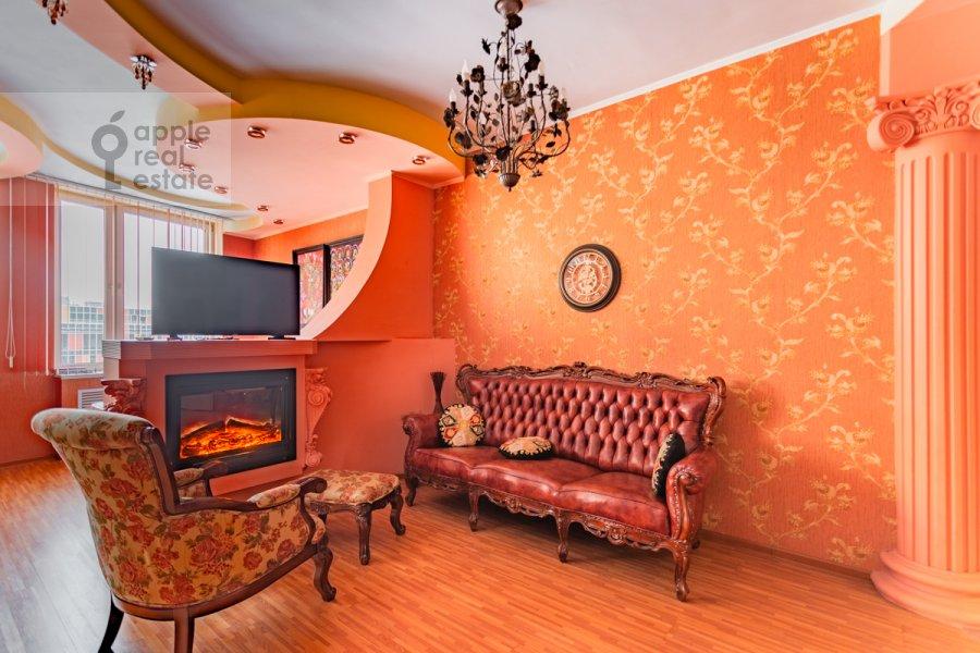 Living room of the studio apartment at Shabolovka ul. 23k4