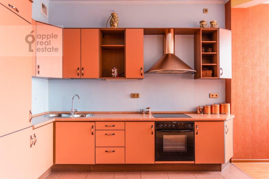 Kitchen of the studio apartment at Shabolovka ul. 23k4