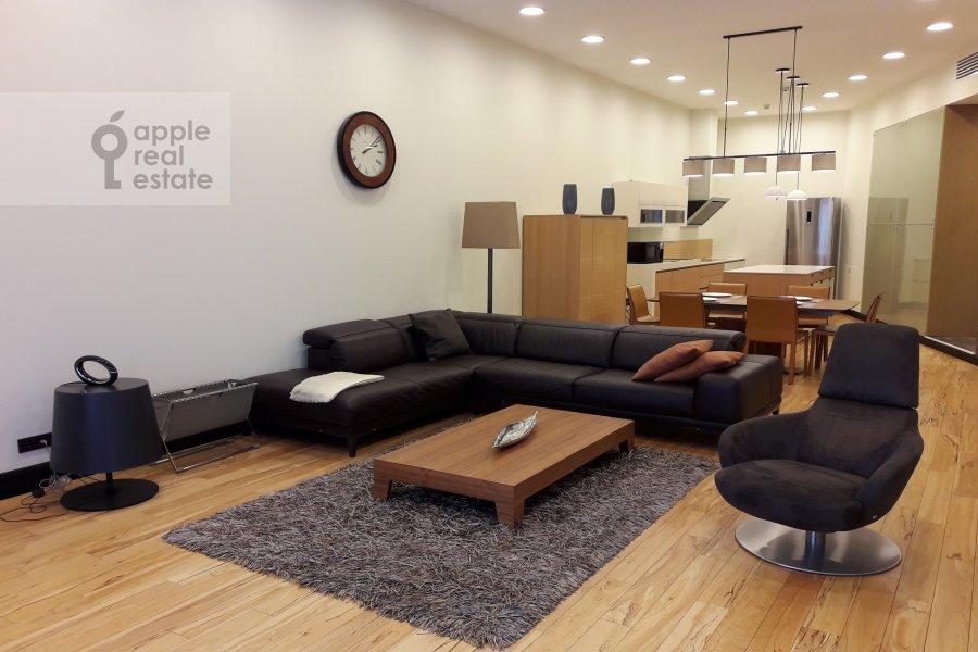 Living room of the 4-room apartment at Tsvetnoy bul'v. 2