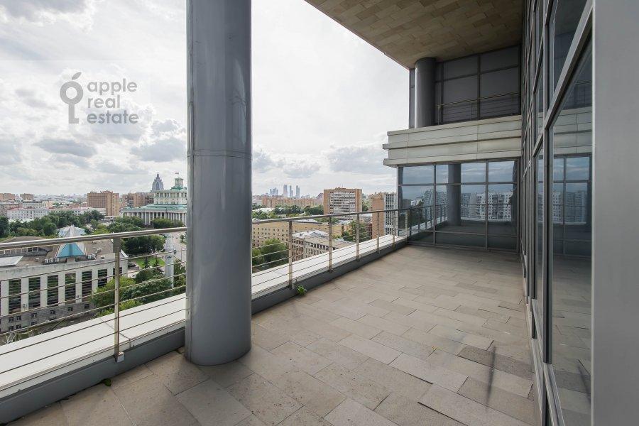Balcony / Terrace / Loggia of the studio apartment at Sovetskoy Armii ul. 6