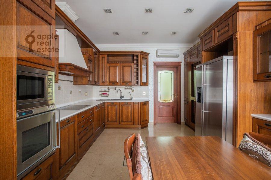 Кухня в 2-комнатной квартире по адресу Сретенка 9