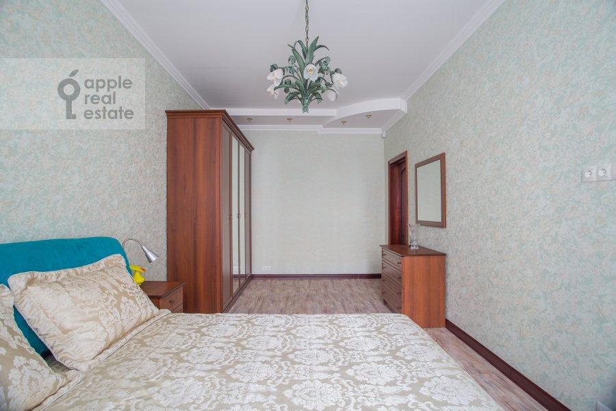 Bedroom of the 4-room apartment at Frunzenskaya nab. 28