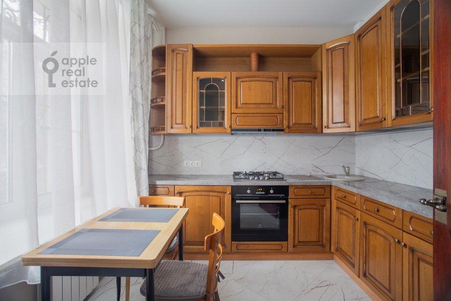 Kitchen of the 4-room apartment at Frunzenskaya nab. 28