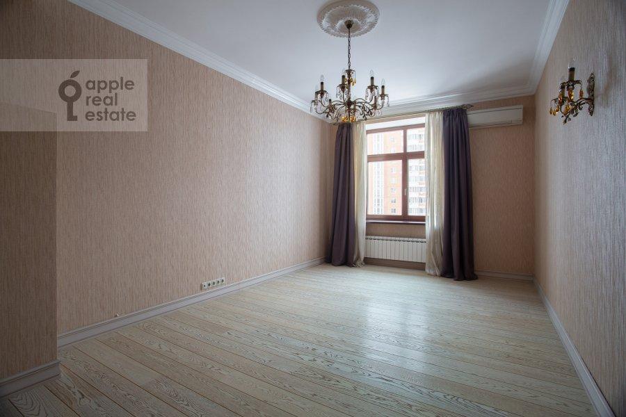 Детская комната / Кабинет в 4-комнатной квартире по адресу Островитянова ул. 11К1