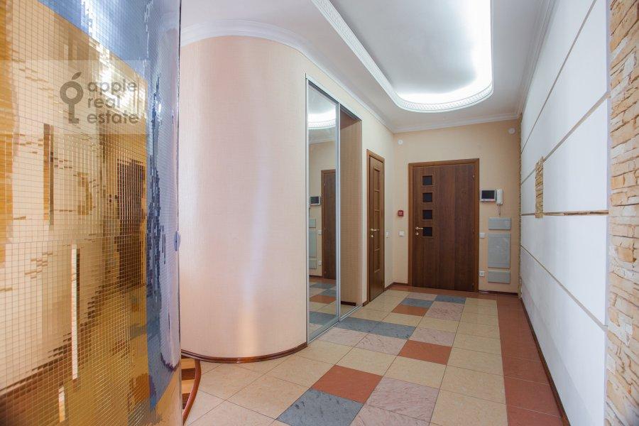 Corridor of the 4-room apartment at Shmitovskiy proezd 16/1