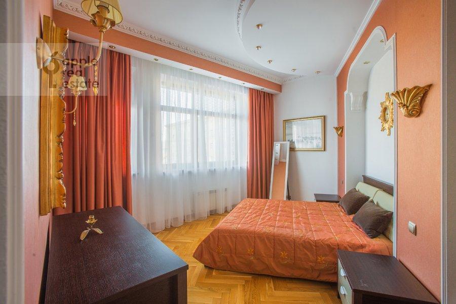 Bedroom of the 3-room apartment at 1-y Tverskoy-Yamskoy per 11
