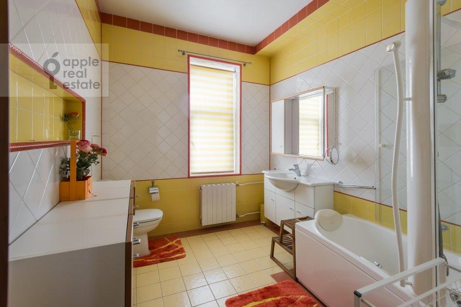 Санузел в 4-комнатной квартире по адресу Голиковский переулок 5