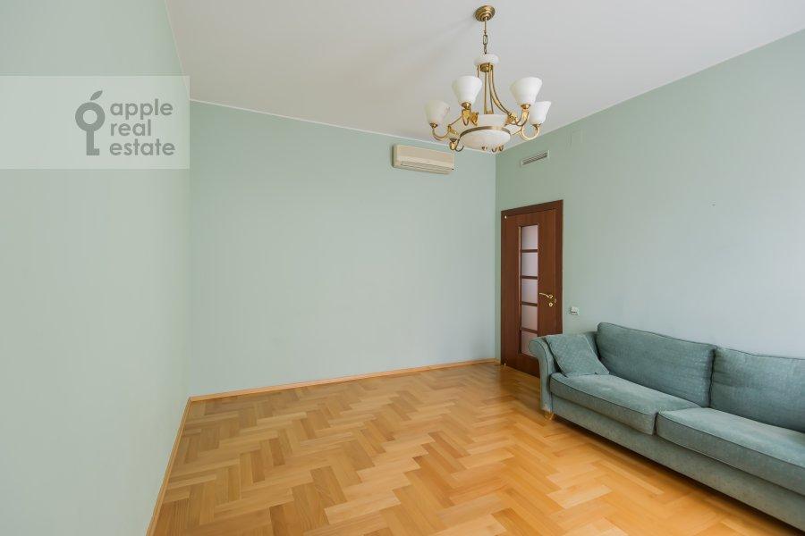 Спальня в 4-комнатной квартире по адресу Голиковский переулок 5