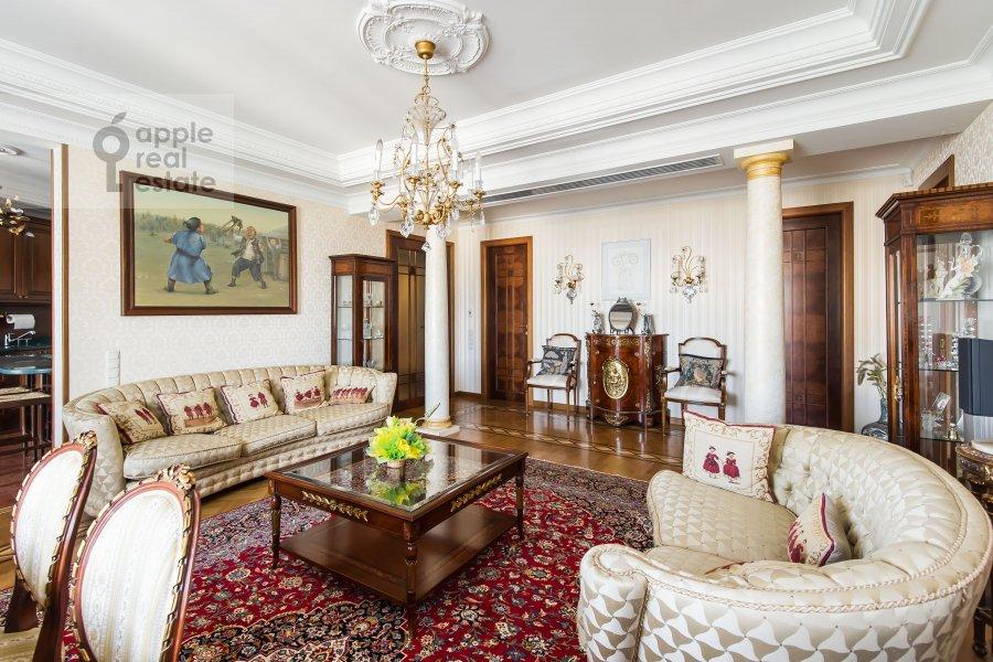 Гостиная в 4-комнатной квартире по адресу Оболенский пер 9к8