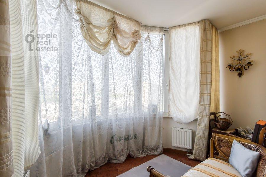 Балкон / Терраса / Лоджия в 4-комнатной квартире по адресу Оболенский пер 9к8