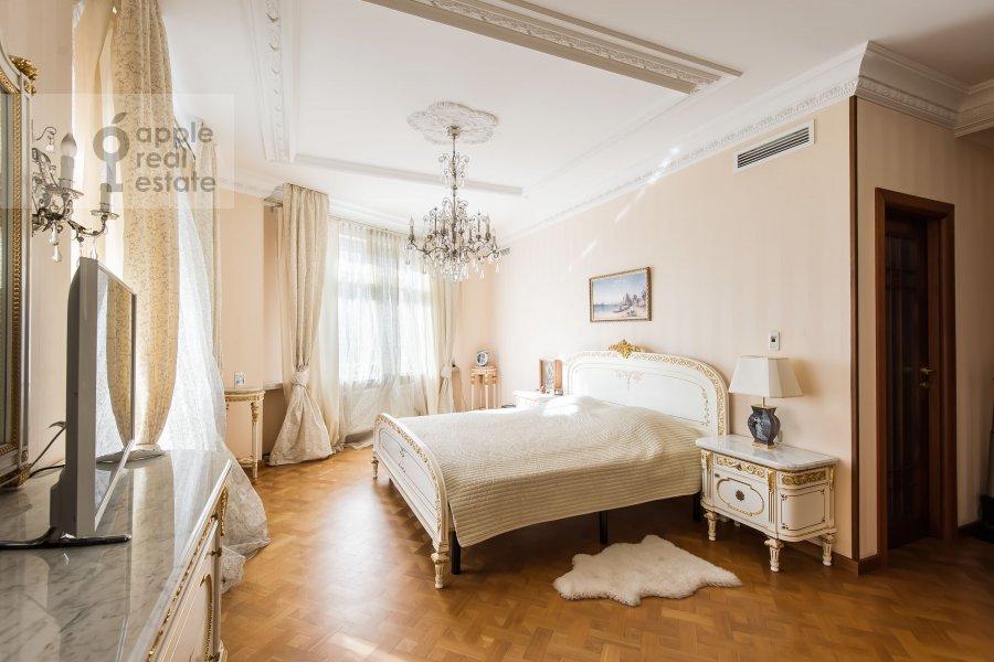 Спальня в 4-комнатной квартире по адресу Оболенский пер 9к8