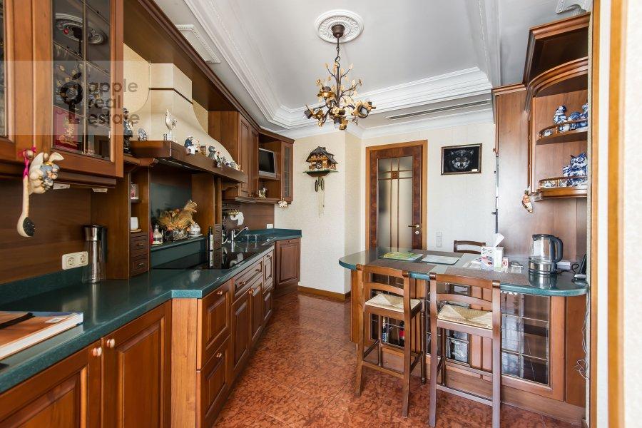 Кухня в 4-комнатной квартире по адресу Оболенский пер 9к8