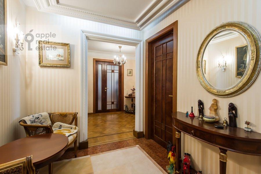 Коридор в 4-комнатной квартире по адресу Оболенский пер 9к8