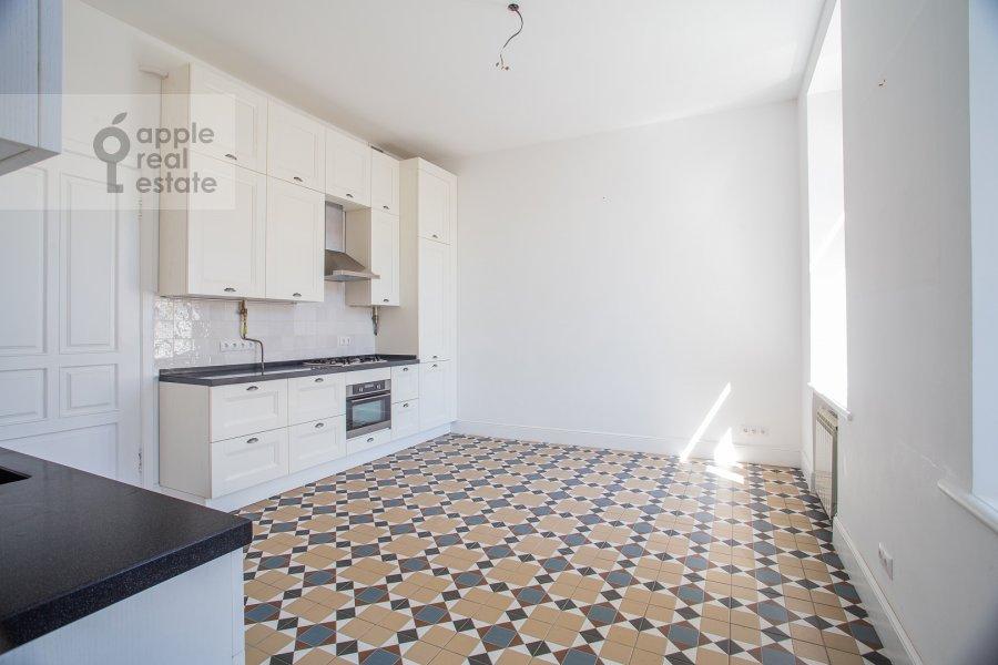 Кухня в 4-комнатной квартире по адресу Петровка ул. 24с3
