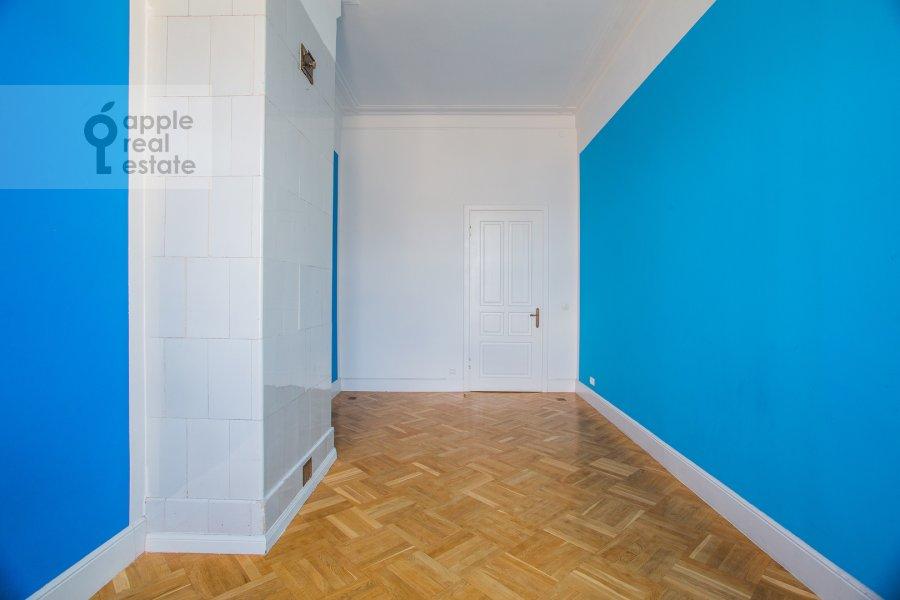Детская комната / Кабинет в 4-комнатной квартире по адресу Петровка ул. 24с3
