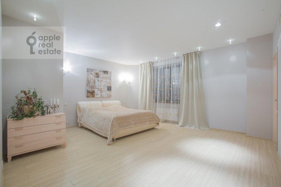 Bedroom of the 3-room apartment at Nezhinskaya ul. 8k4