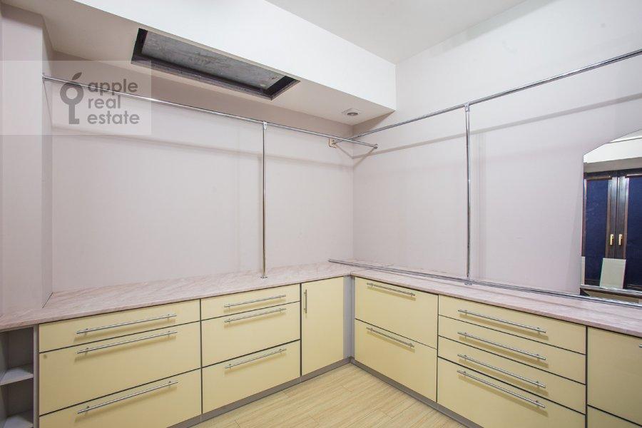 Walk-in closet / Laundry room / Storage room of the 3-room apartment at Nezhinskaya ul. 8k4