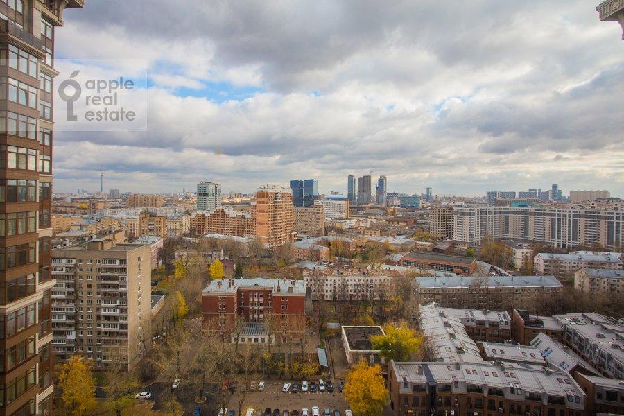 Вид из окна в 3-комнатной квартире по адресу Чапаевский переулок 3