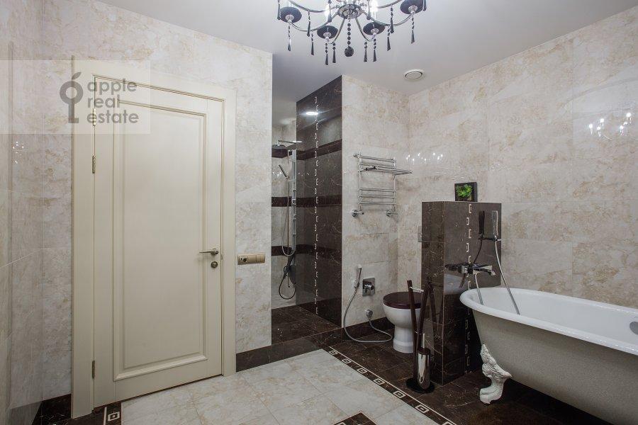 Санузел в 3-комнатной квартире по адресу Чапаевский переулок 3