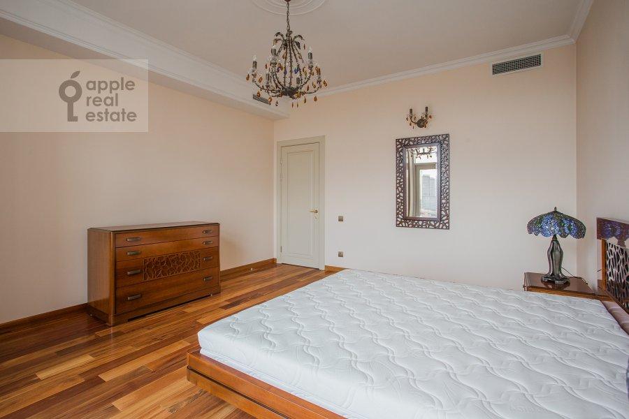 Спальня в 3-комнатной квартире по адресу Чапаевский переулок 3