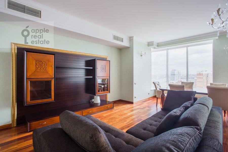 Гостиная в 3-комнатной квартире по адресу Чапаевский переулок 3