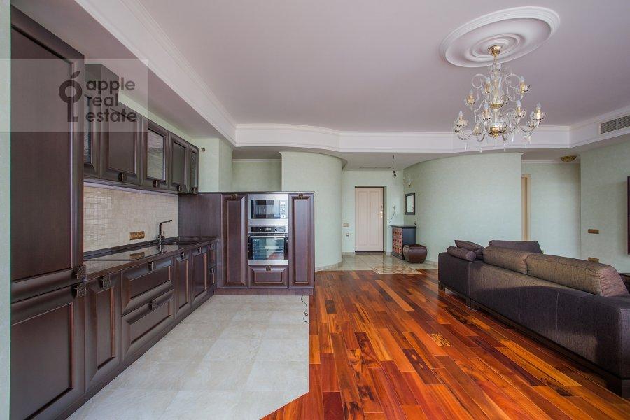 Кухня в 3-комнатной квартире по адресу Чапаевский переулок 3