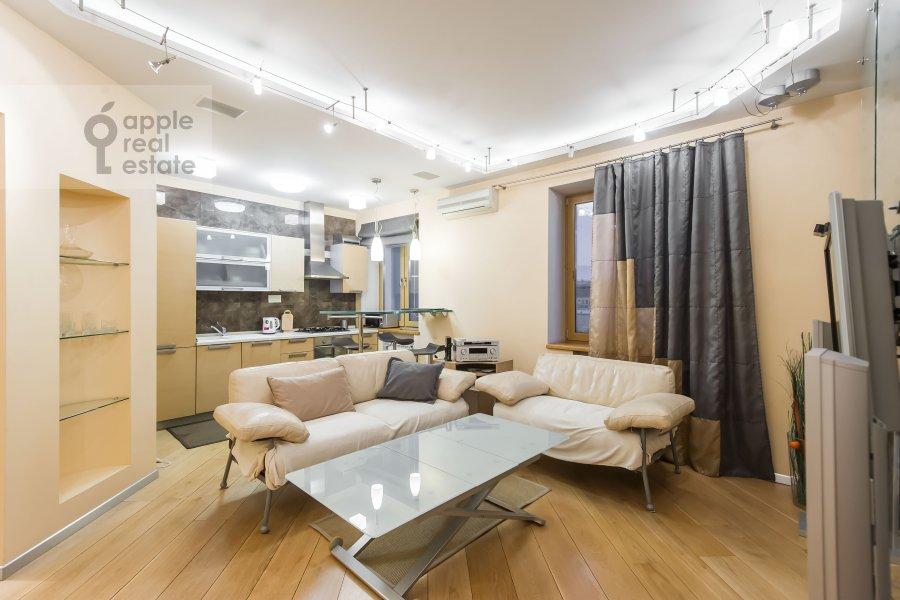 Living room of the 3-room apartment at Novokuznetskaya ul. 3