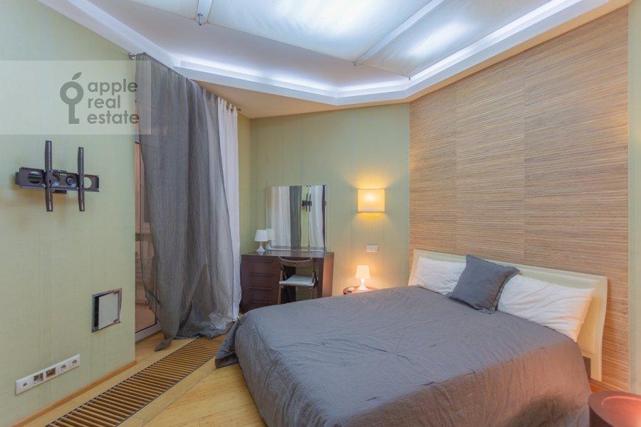 Спальня в 3-комнатной квартире по адресу Новокузнецкая ул. 3