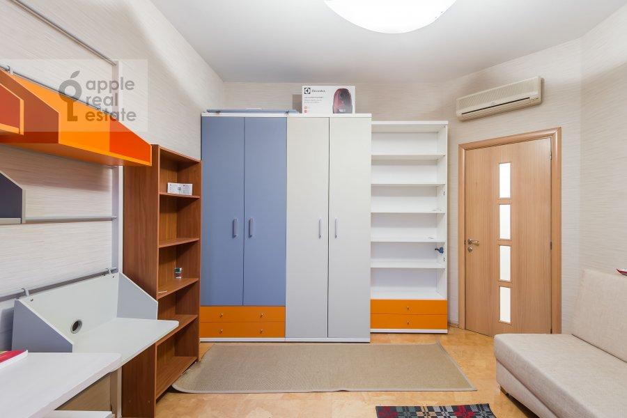 Children's room / Cabinet of the 3-room apartment at Novokuznetskaya ul. 3