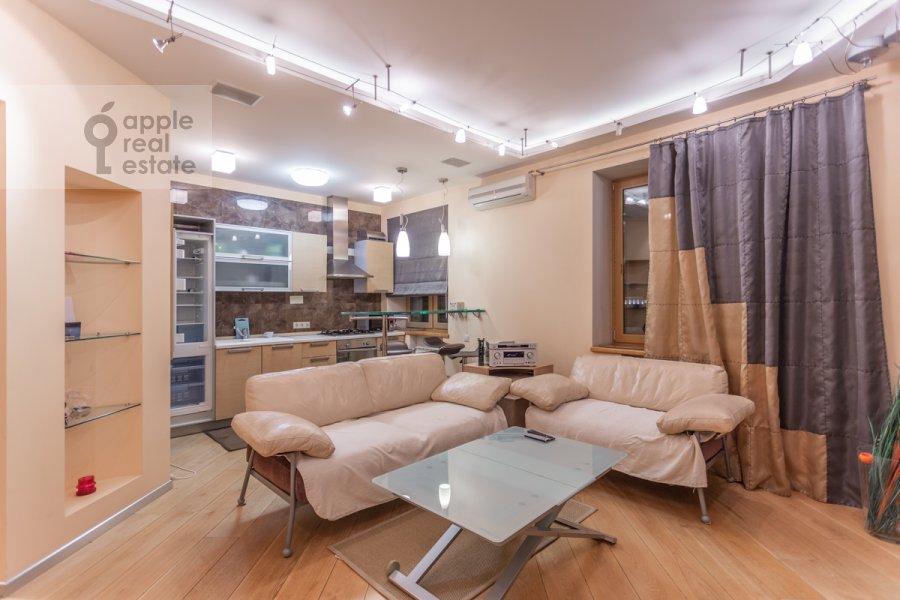 Гостиная в 3-комнатной квартире по адресу Новокузнецкая ул. 3