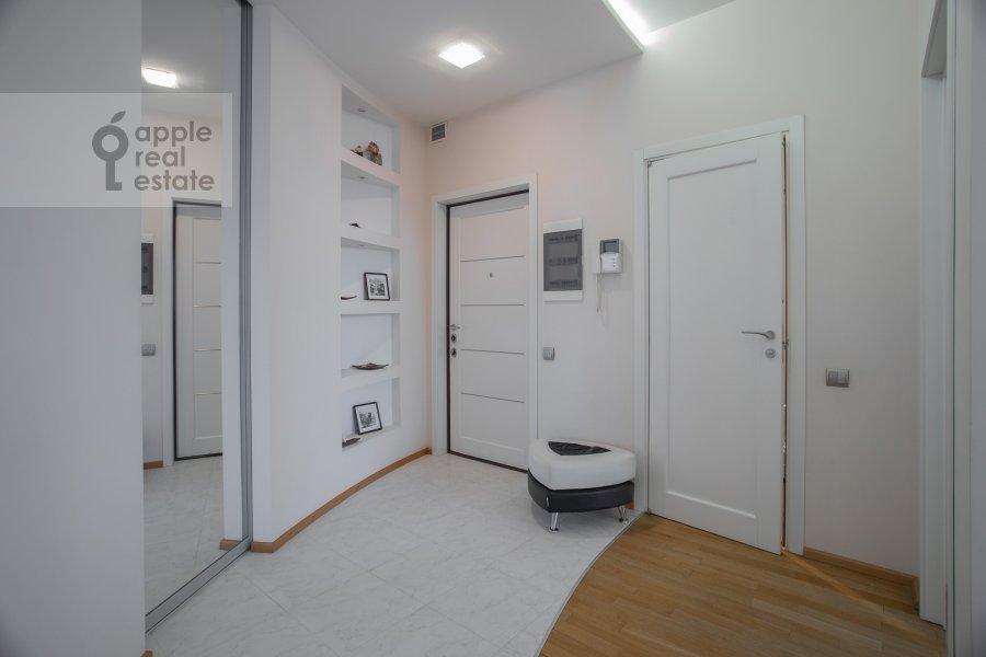 Corridor of the 4-room apartment at 2-y Shiemilovskiy pereulok 4