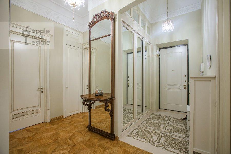 Коридор в 4-комнатной квартире по адресу Николаева 4